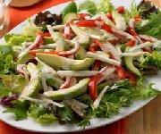 Salade d'avocat avec vinaigrette au pamplemousse et au cumin