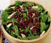Salade de betteraves, pommes et épinards