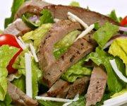 Salade de bifteck à l'asiatique