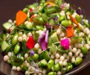 Salade de couscous israélien et d'edamames à la coriandre