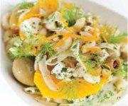 Salade de pâtes au poulet, au fenouil et aux olives, vinaigrette à l'orange