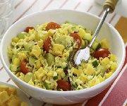 Salade de riz au cari avec Cheddar fort