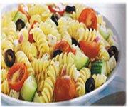 Salade de rotini aux légumes et au féta