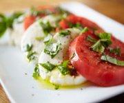 Salade de tomates et de bocconcini