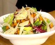 Salade de verdure, parmesan et courge rôtie