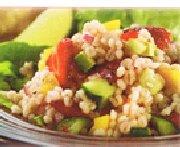 Salade d'orge colorée aux légumes et fraises