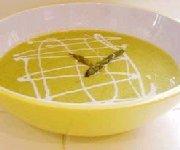 Soupe aux asperges fraîches