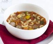 Soupe aux macaroni et aux boulettes de viande