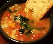 Soupe aux saucisses et haricots blancs