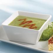 Soupe au brocoli et aux poivrons rouges grillés