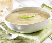 Soupe classique aux poireaux et pommes de terre