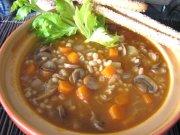 Soupe à l'orge et champignons