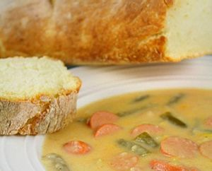 Soupe paysanne à la saucisse et aux haricots verts