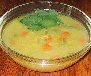 Soupe végétalienne aux pois cassés