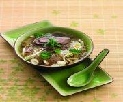 Soupe vietnamienne au boeuf et aux vermicelles de riz