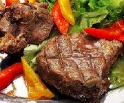 Steak d'agneau aux herbes