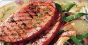 Steak de jambon sur salade de pommes de terre
