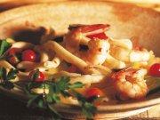 Strozzapretis aux crevettes et aux courgettes