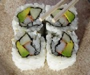 Sushi avocat-crabe